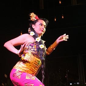 Festival Indonesie 2021. PPI dance group. Zaterdag 21 augustus Junushoff Wageningen. PPI danspresentatie